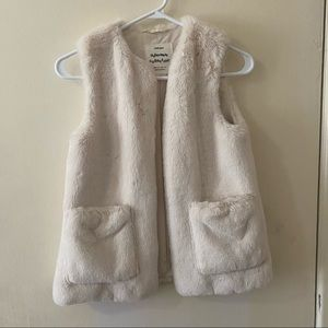 EUC Zara Girls White Faux Fur Size 9-10years